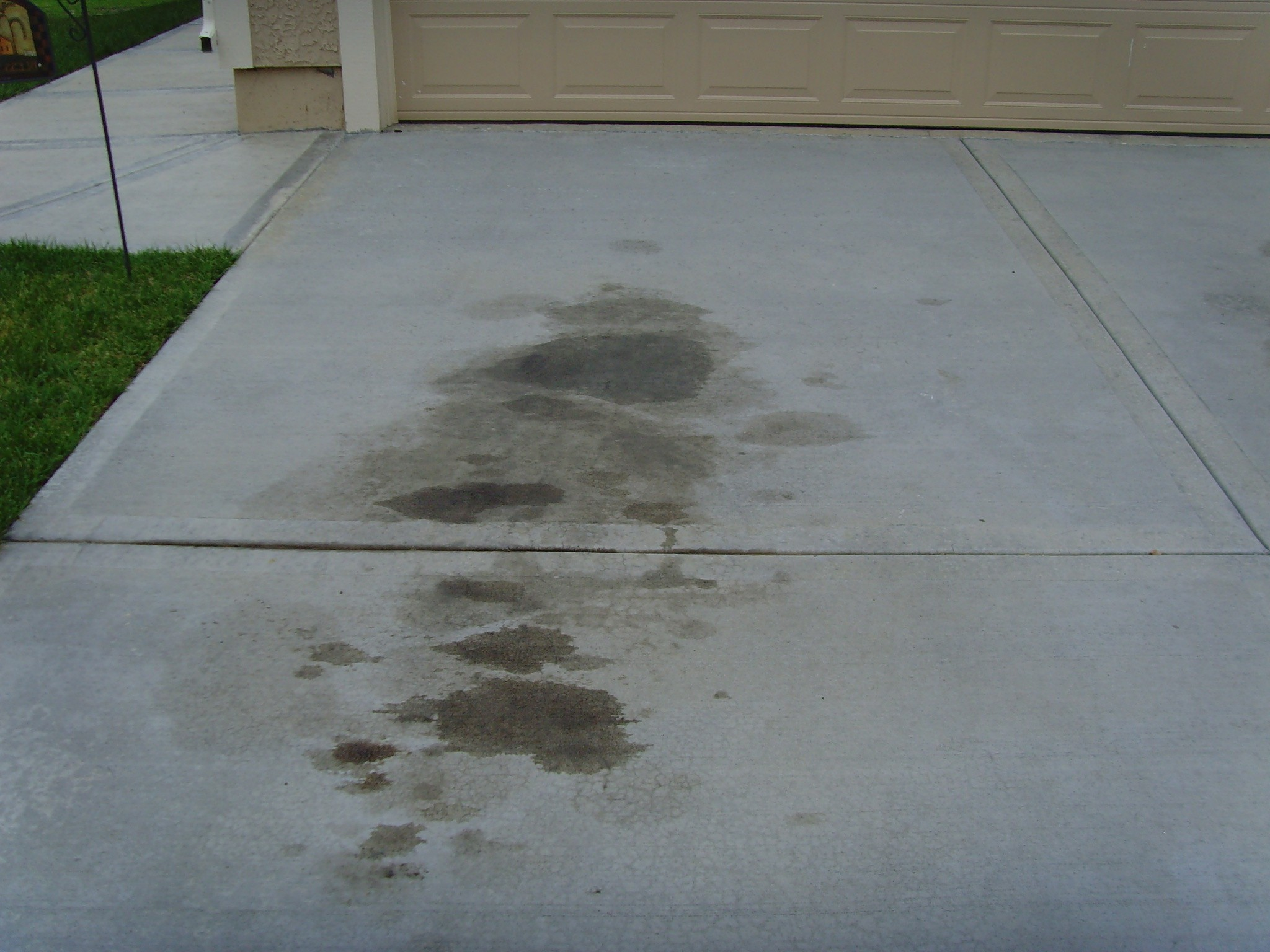 How to remove grease stains from concrete apps directories for Clean oil from concrete