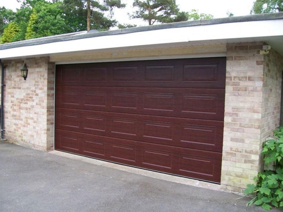 Sectional garage doors doormatic garage doors for 11 x 7 garage door