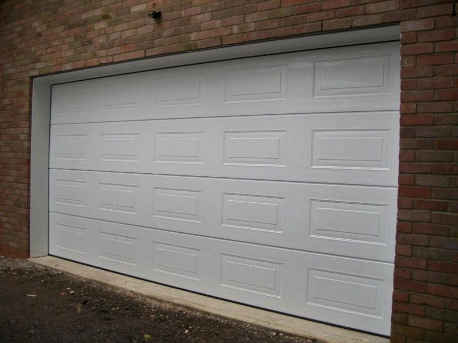 Carteck sectional garage door fitted in basingstoke for Upvc garage doors