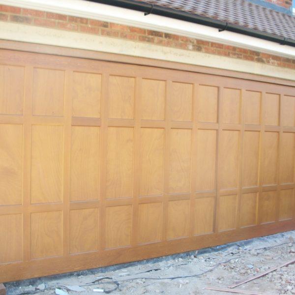 Walton garage door seceuroglide roller door walton on for 11 x 7 garage door