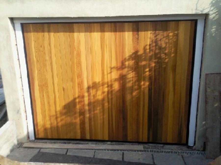Cardale Futura Timber Vertical Door Installation